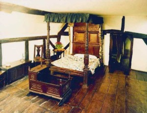 shakespeare bed